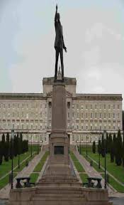 carsons statue at stormont