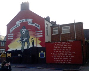 Ulster_Freedom_Fighters_mural_death_warning