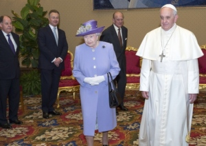 pope and queen2